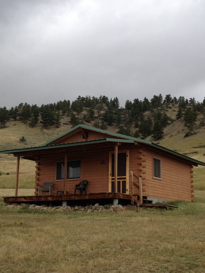 Mystic View Cabins in Fishtail, Montana